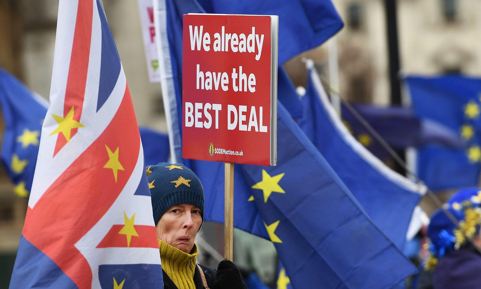 Ekonomisti predviđaju teška vremena za Britaniju