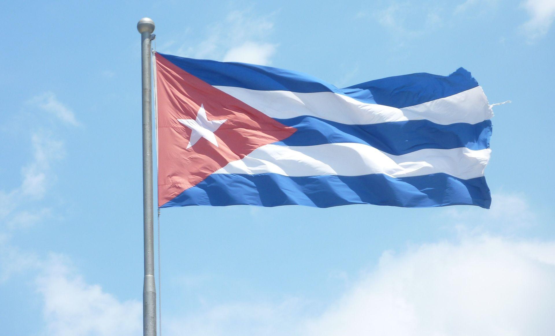 Castro kritizira SAD na 60. obljetnicu revolucije