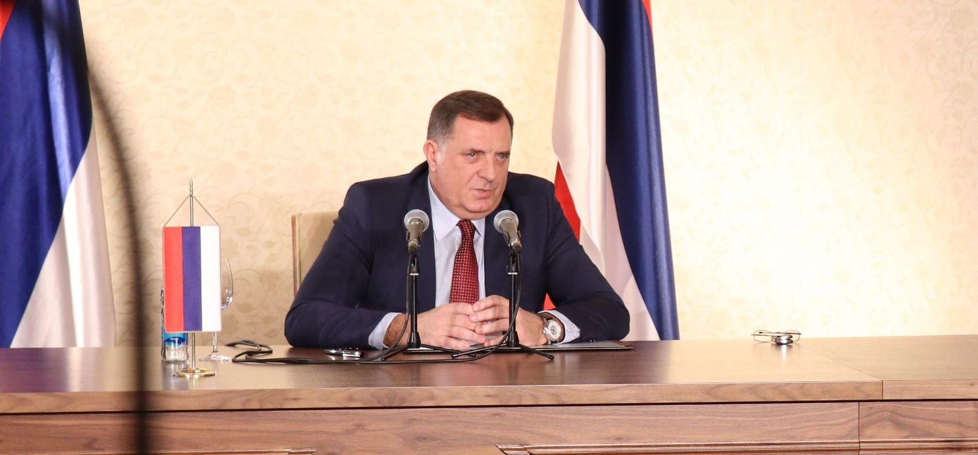 "MEKTIĆ ""Dodik, ne poigravaj se!"""