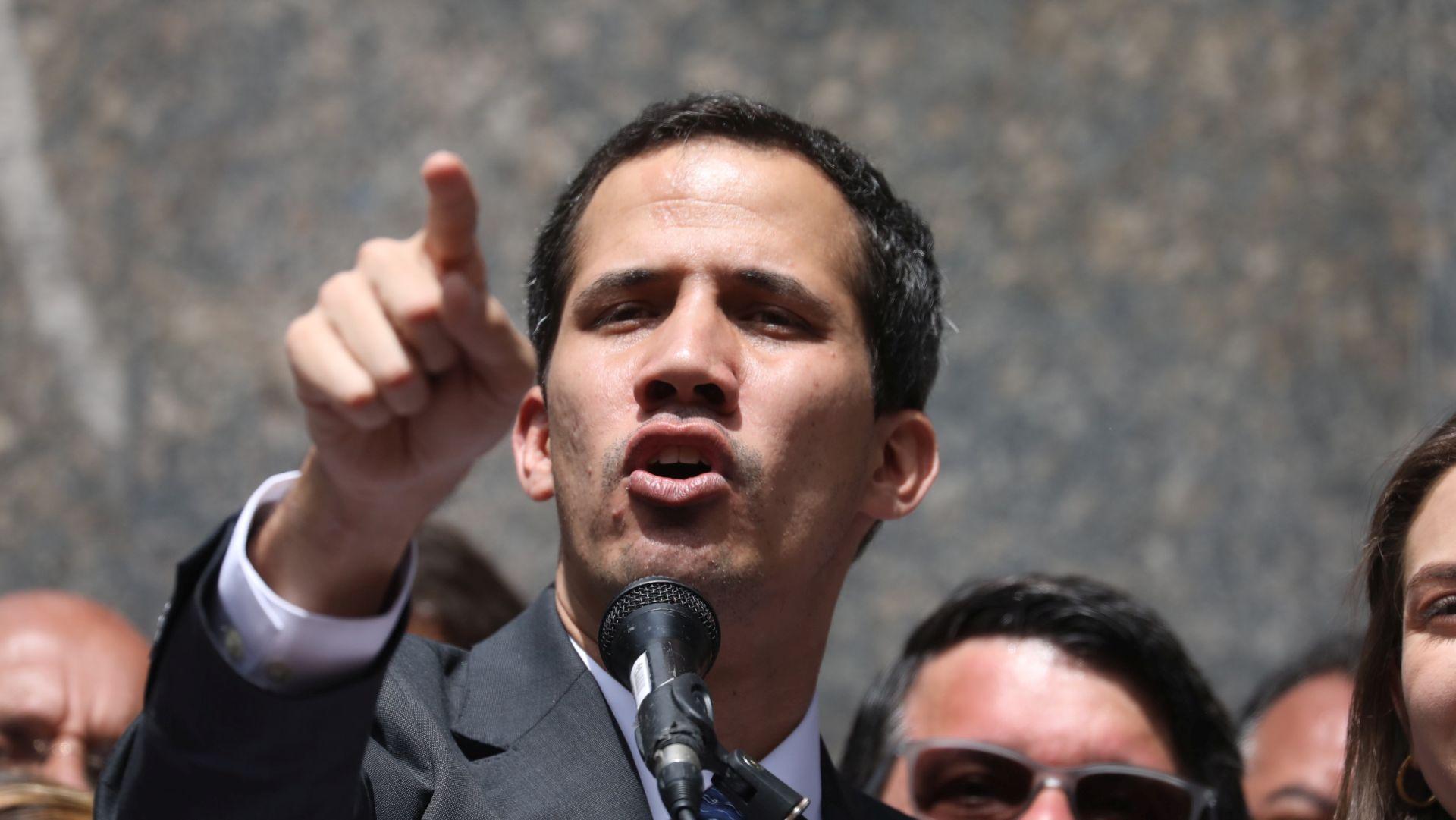 Guaido upozorio da snage reda prijete njegovoj obitelji
