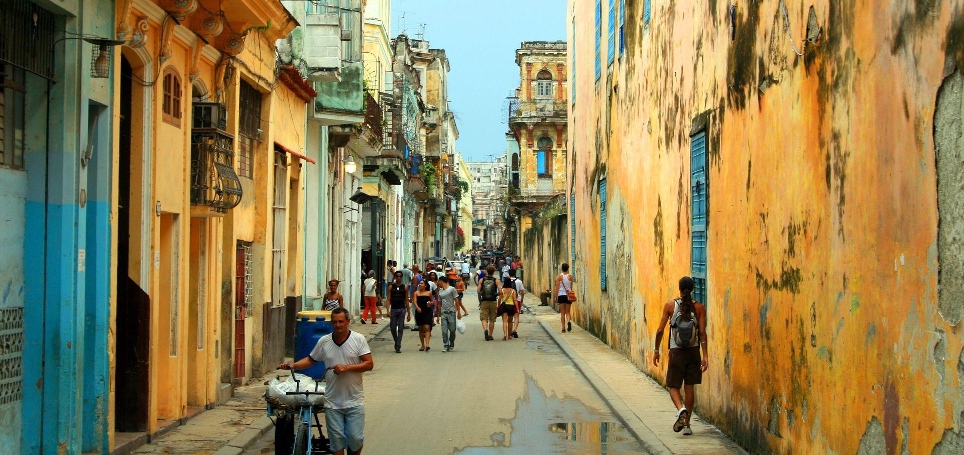 Kuba slavi 60 godina revolucije u Latinskoj Americi koja skreće udesno