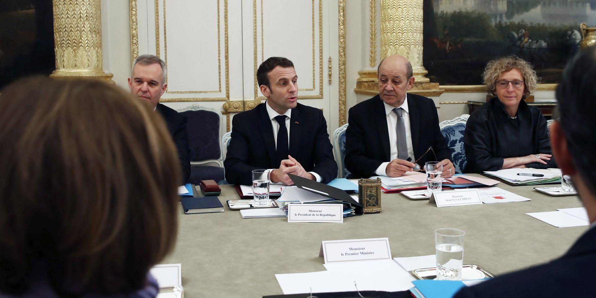 """Macron će sunarodnjacima napisati """"pismo"""""""
