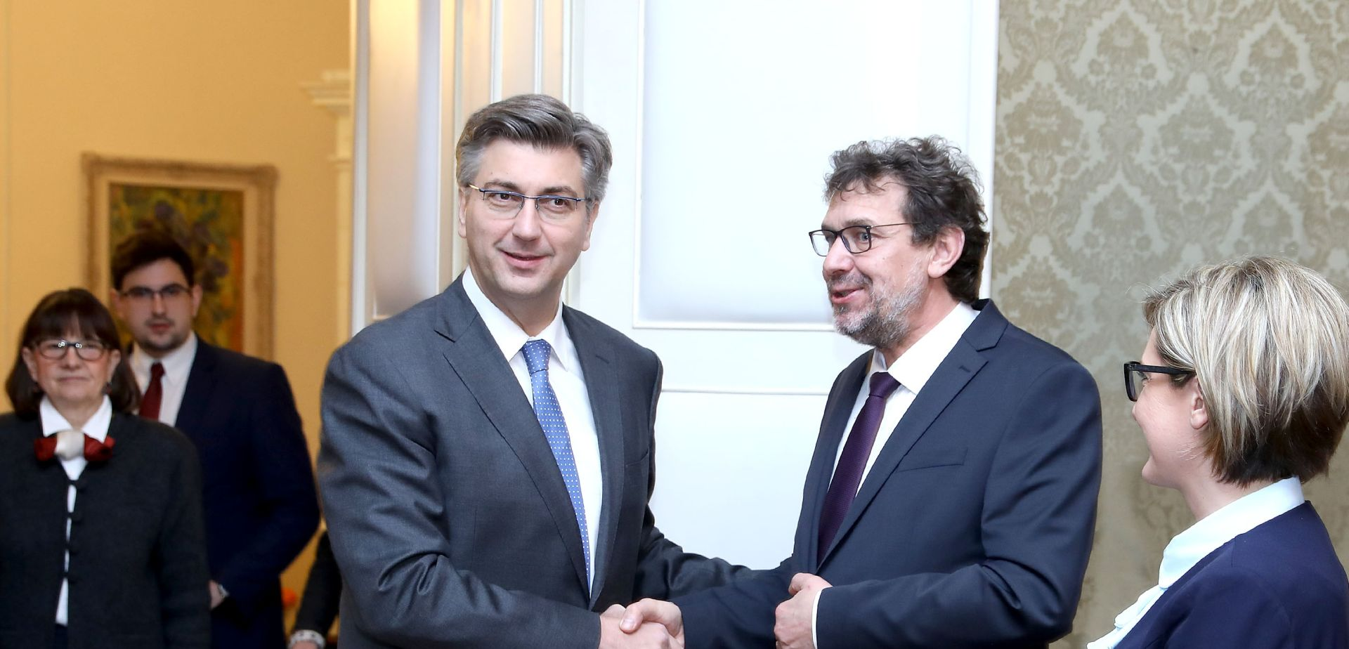 Vlada povećava ulaganja u projekte važne za položaj Hrvata u Srbiji