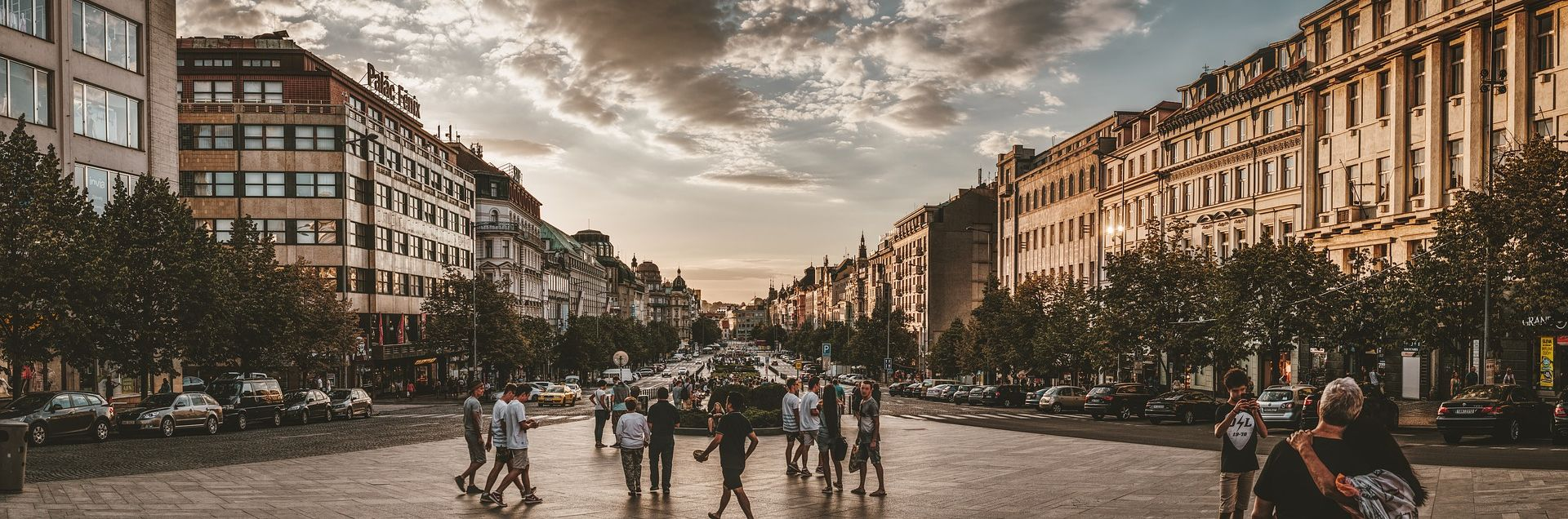 Muškarac se zapalio na središnjem trgu u Pragu
