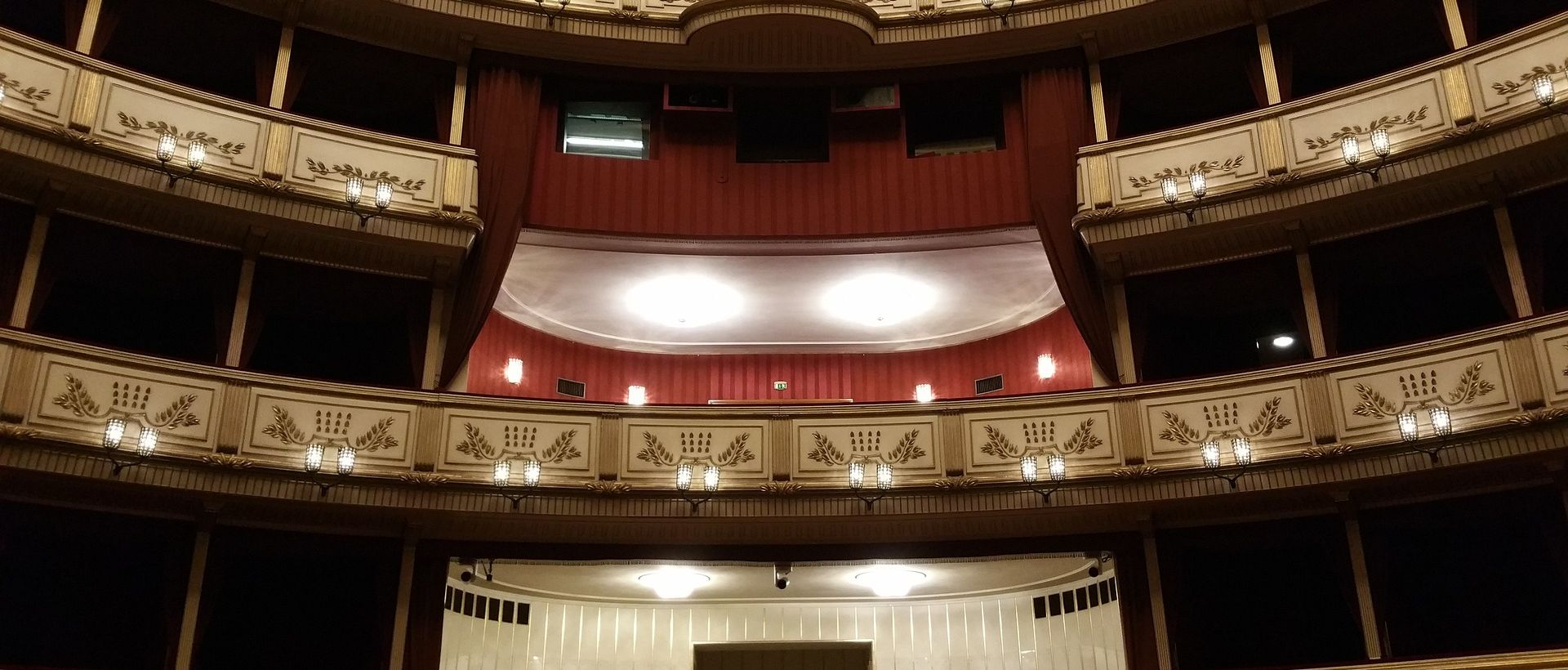 Tradicionalni bečki Opernball bit će u znaku 150. jubileja bečke opere