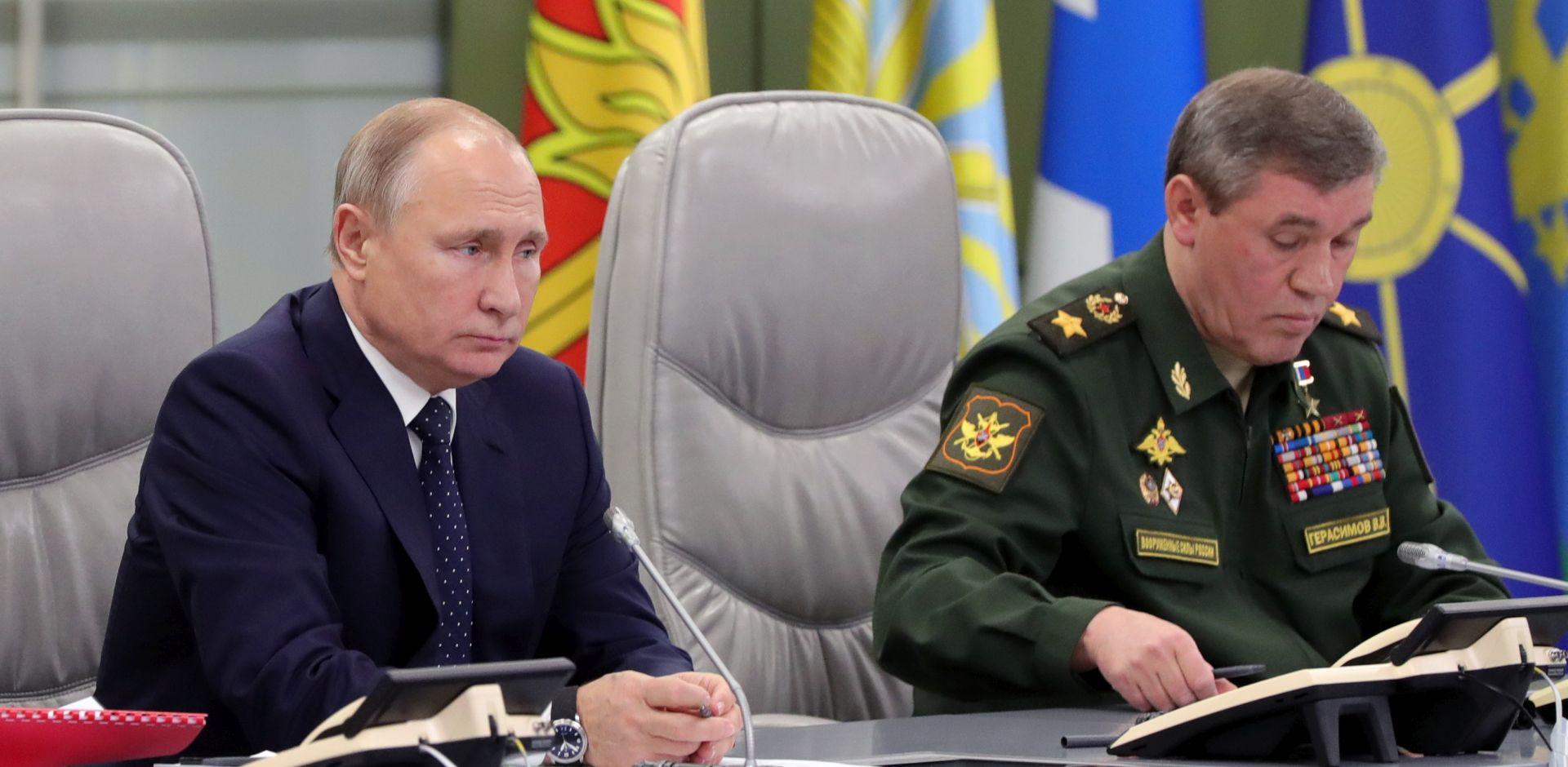 """Putin: """"Rusiji će u borbi s koronavirusom trebati i vojska"""""""