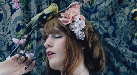 VIDEO: 'Florence + The Machine' nastavlja nizati velike koncerte