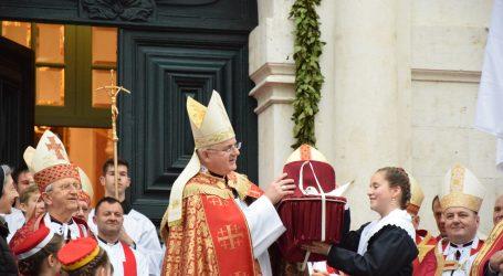 Biskup Uzinić i premijer Plenković razgovarali o projektima Dubrovačke biskupije