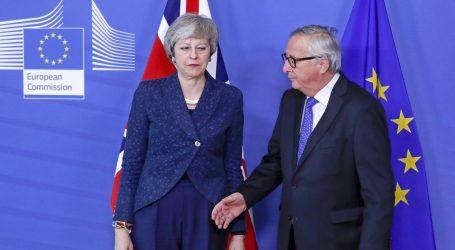 Juncker ponovio May da nema otvaranja sporazuma o razdruživanju