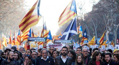 BARCELONA 200.000 prosvjednika protiv suđenja pristašama katalonske neovisnosti
