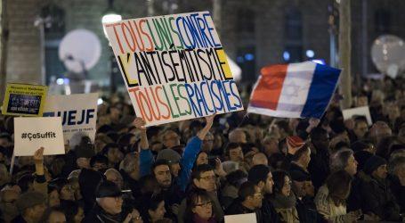 PARIZ Tisuće ljudi prosvjedovalo protiv antisemitizma