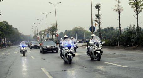 Kim u Hanoi dovezao Mercedes, Daimler tvrdi da nisu prekršili sankcije