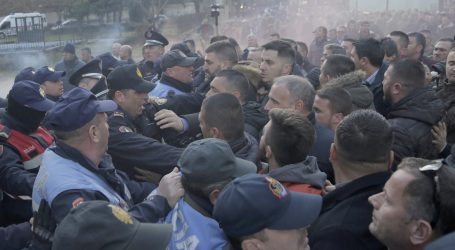 ALBANIJA Policija rastjerala nove prosvjede oporbe