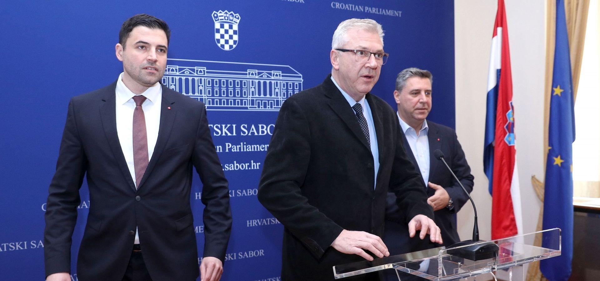 """BERNARDIĆ """"Curenje dokumenata ugroza je za nacionalnu sigurnost"""""""