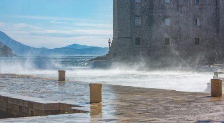 Pretežno sunčano, na Jadranu još moguća olujna bura