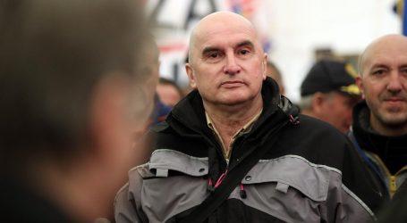 Erceg nakon presude došao kod spomenika Tuđmanu, došla i policija