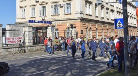 Sindikati razočarani, Uljanikovim radnicima plaće kasne pet mjeseci