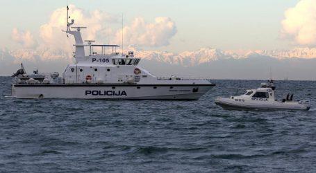 Slovenski policajci zaletjeli se punom brzinom prema hrvatskoj ribarici