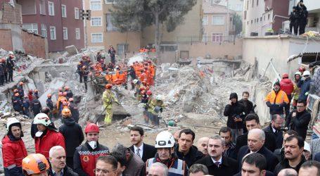 Broj mrtvih u rušenju zgrade u Istanbulu porastao na 21