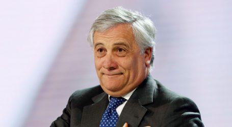 """SLOVENCI OGORČENI """"Tajani, odlazi!"""""""
