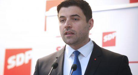 BERNARDIĆ 'Došlo je vrijeme da Hrvatska zabrani fašističke simbole'
