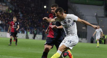 SERIE A Cagliari slavio protiv Intera, Srna asistent
