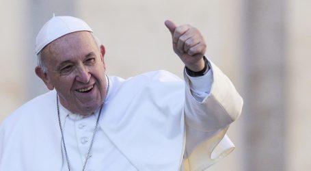 """Papa na Pepelnicu poručio da je bogatstvo """"prašina na vjetru"""""""