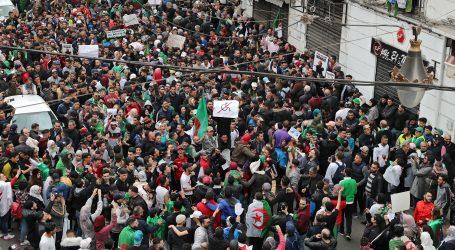 Više od stotinu ozlijeđenih u prosvjedima u Alžiru