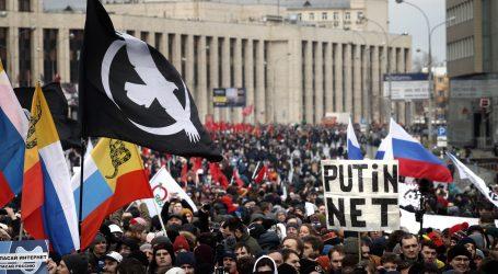 RUSIJA Tisuće prosvjednika protiv novog zakona o internetu