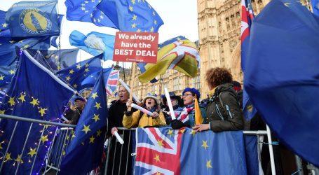 May traži tromjesečnu odgodu Brexita, Europska komisija protiv
