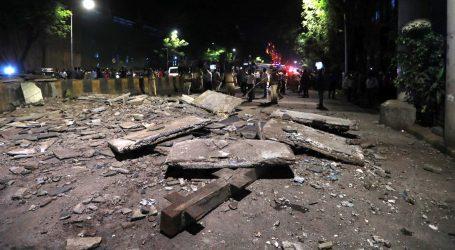Urušio se pješački most u Mumbaiju, petero mrtvih