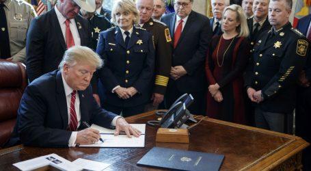 Trump uložio veto na zakon protiv zida na granici