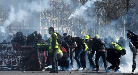 Macron šalje vojsku na 'Žute prsluke'