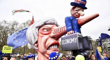 Stotine tisuća Britanaca marširaju Londonom za novi referendum o Brexitu