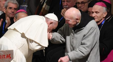 Papa Franjo se susreo s ocem Schumacherom, preživjelim iz masakra u Tibhirinu