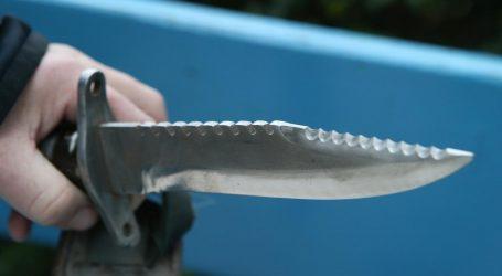 SPLIT 29-godišnjakinja 62-godišnjaka teško ozlijedila nožem