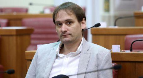 Vučetić na Facebooku sarkastično o počasnom doktoratu Bandiću