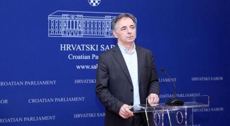 """PUPOVAC """"Nasrtaji na ustavne i demokratske vrijednosti postali presnažni"""""""