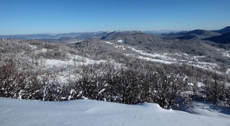 Pretežno oblačno, snijeg u Lici i Gorskom kotaru