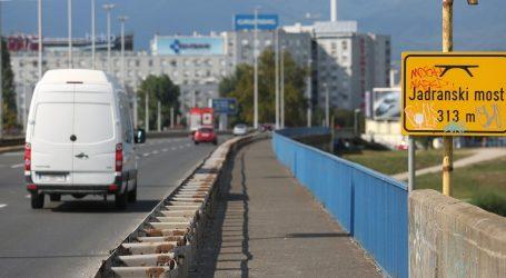 Autobus ZET-a sudario se s autom na Jadranskom mostu