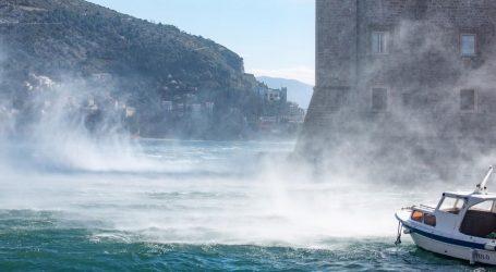 Postupno smanjenje naoblake, na Jadranu olujna bura