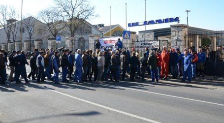 Uljanikovi radnici u Puli na sat vremena blokirali promet