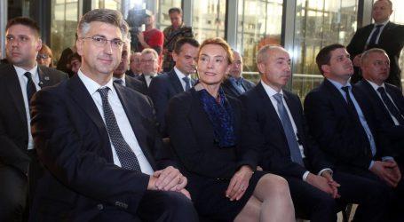 """Plenković kaže da VE """"ne može pogriješiti"""" ako izabere Pejčinović Burić"""