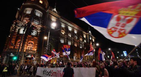 """Prosvjednici u Beogradu poslali poruku da Srbija """"neće građanski rat"""""""