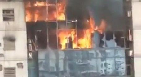 POŽAR U DHAKI Najmanje jedna osoba poginula, ljudi skakali kroz prozore