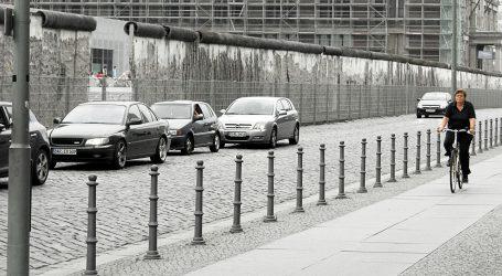 POUKE HLADNOG RATA Berlinski zid 21. stoljeća