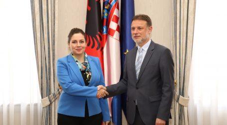 Jandroković se sastao s albanskom ministricom obrane Oltom Xhaçkom
