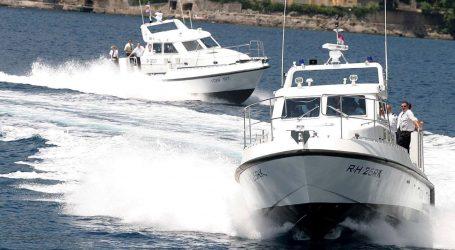 Pomorska policija kod Umaga spasila 86-godišnjeg ribara