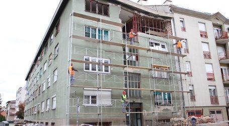 SISAK Radnik poginuo u padu sa skele
