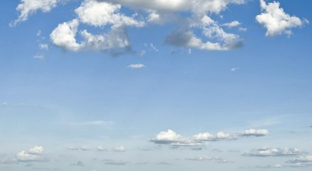 Vjetrovito i toplo, sutra jače naoblačenje i pad temperature